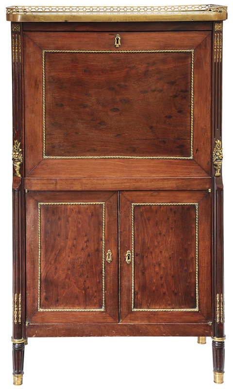 A small ladies secretaire