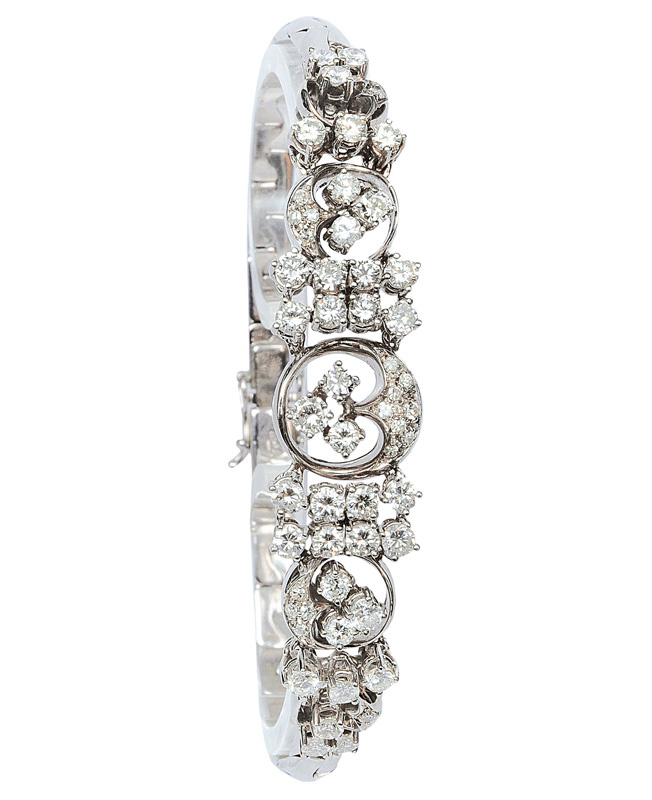 A diamond bracelet by jeweller Rüschenbeck