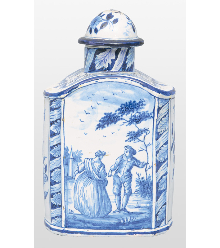 A tea caddy with romantic scene and riverside