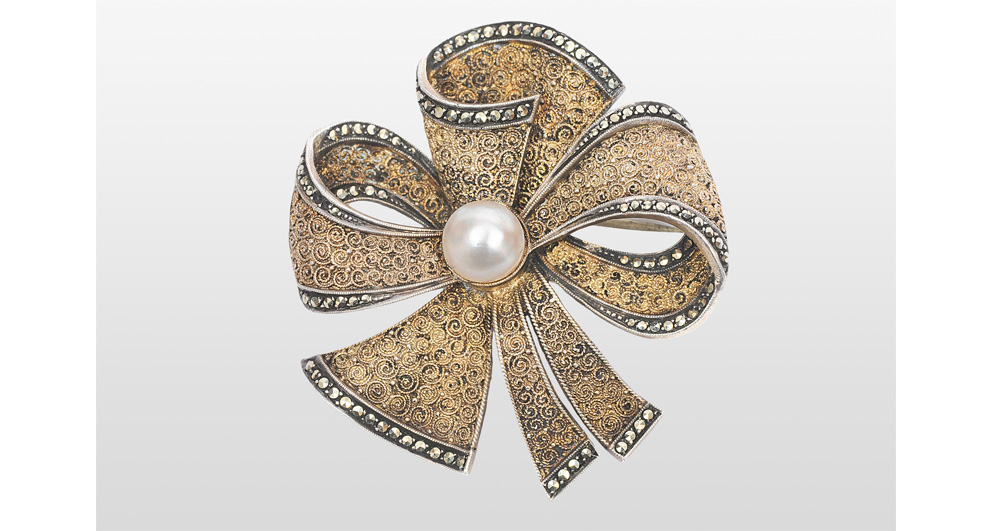 A brooch with a pearl by Theodor Fahrner
