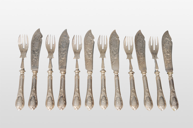 A fish cutlery with engraved decor for 6 persons