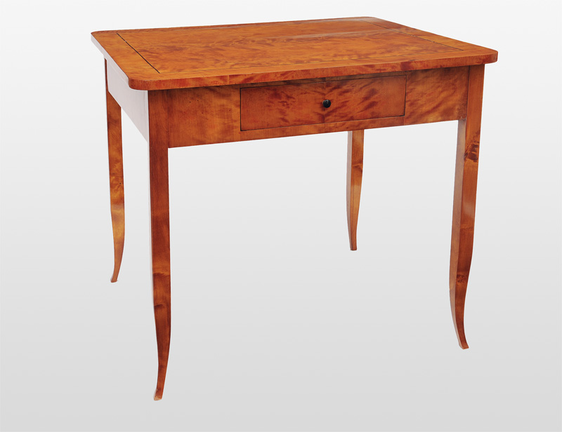 A hug Biedermeier Table
