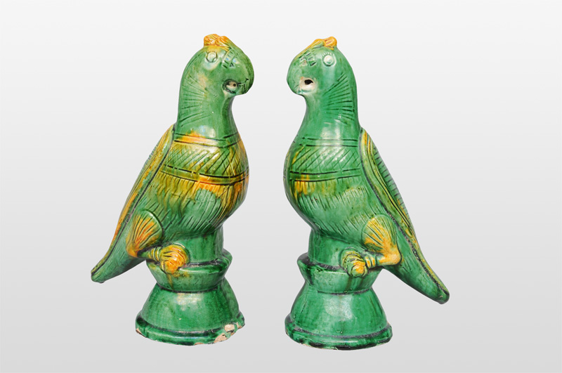 "A pair of animal figurines ""Parrots"""