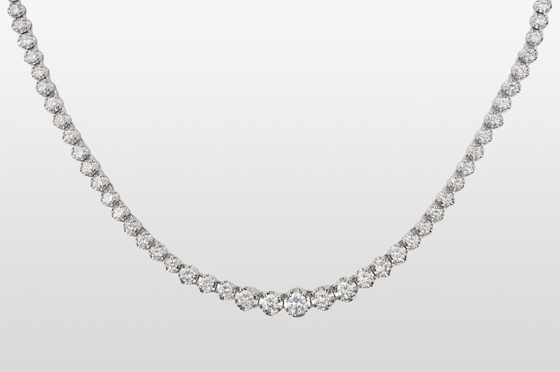 A diamond necklace in platinum
