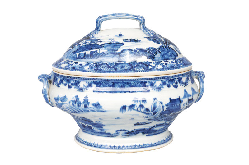 An elegant tureen with landscape painting