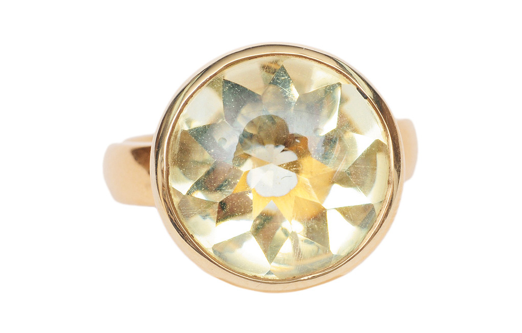 A lemon citrine ring