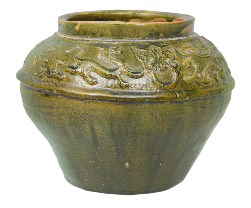 A Guan jar with dragon relief