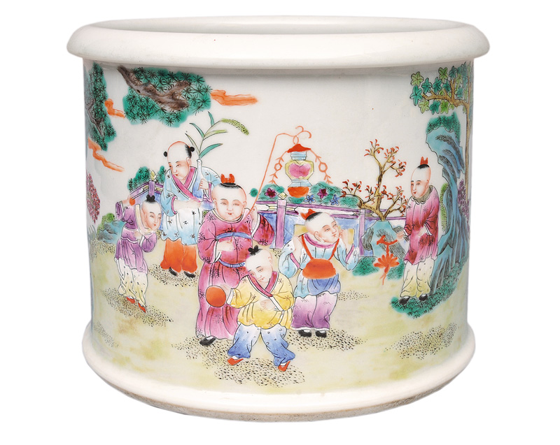 A large brushpot with playing children