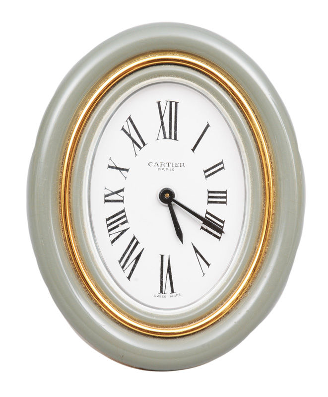 A table clock with alarm function