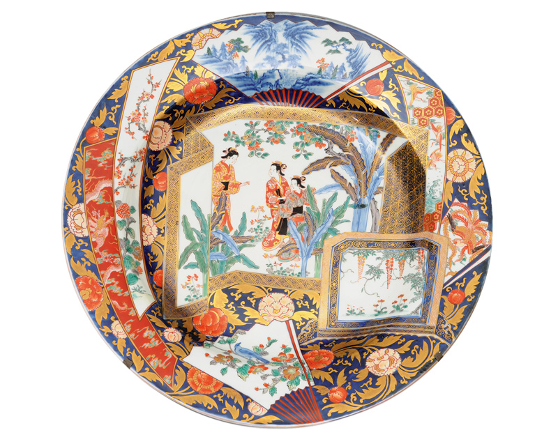 An exceptional large Imari plate with fan motifs