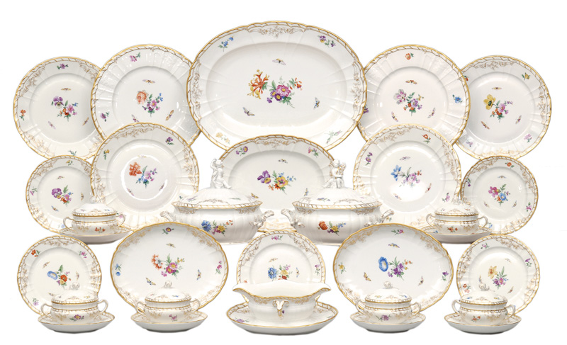 "An extensive dinner service ""Rocaille"" for 12 persons"