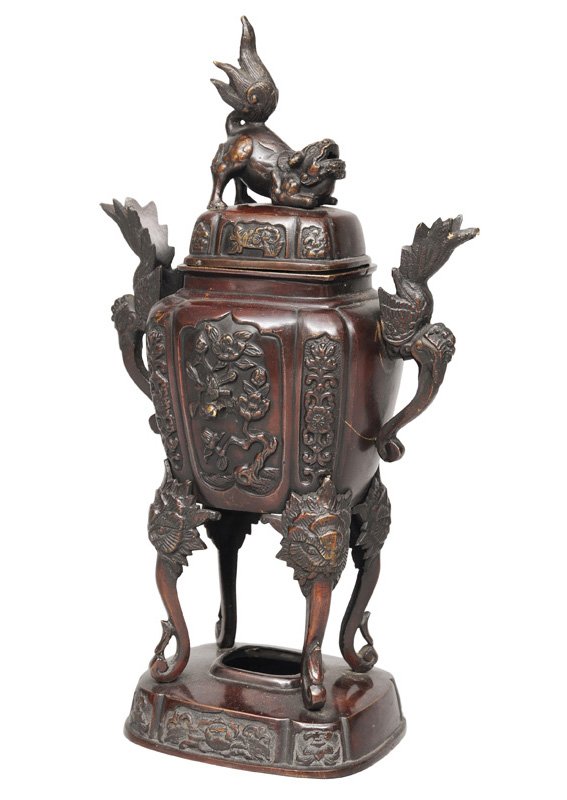 A bronze Koro with Shishi cover