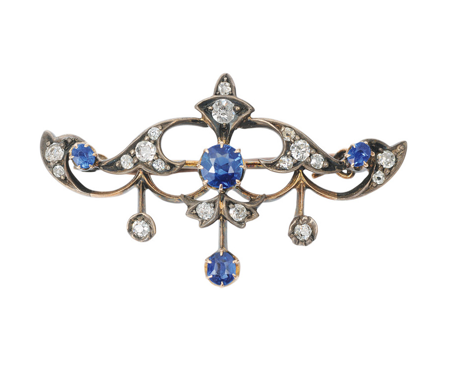 An Art-Noveau brooch