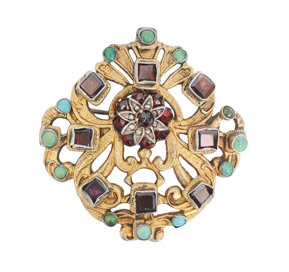 A brooch with garnets in renaissance style
