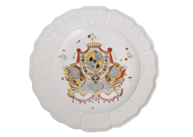 "A rare armorial plate from the famous ""von Münnich-Service"""
