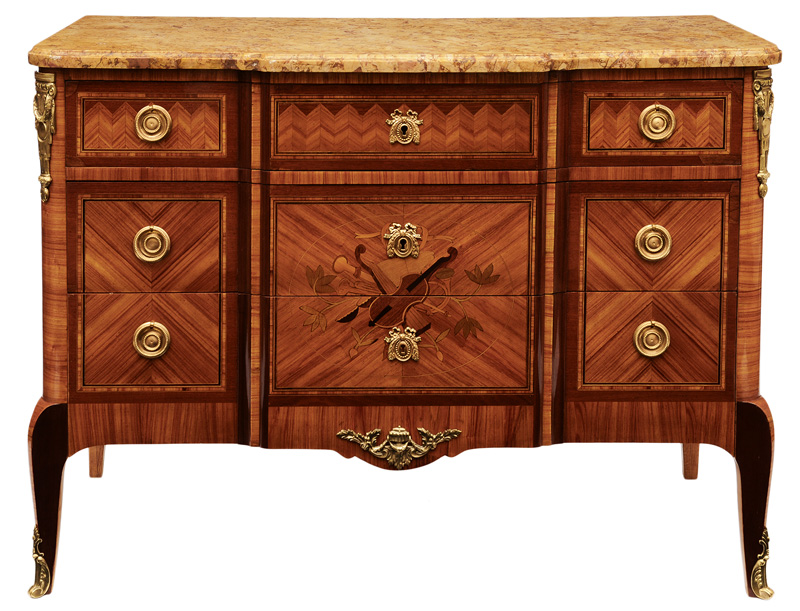 A chest of drawer with the Transition style