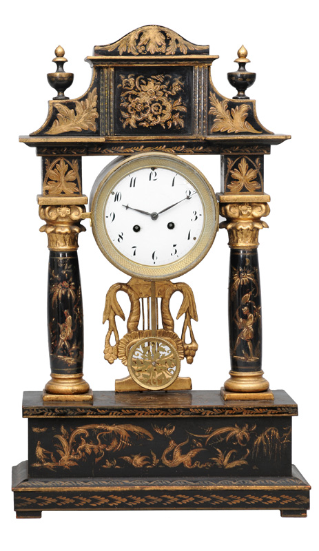 A column mantle clock with chinoiserie
