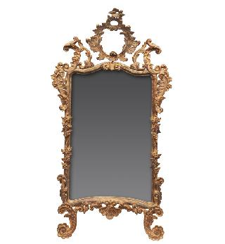 A hug mirror with style of Rococo
