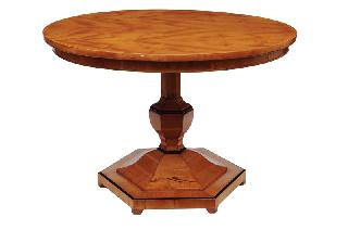 A round Biedermeier table