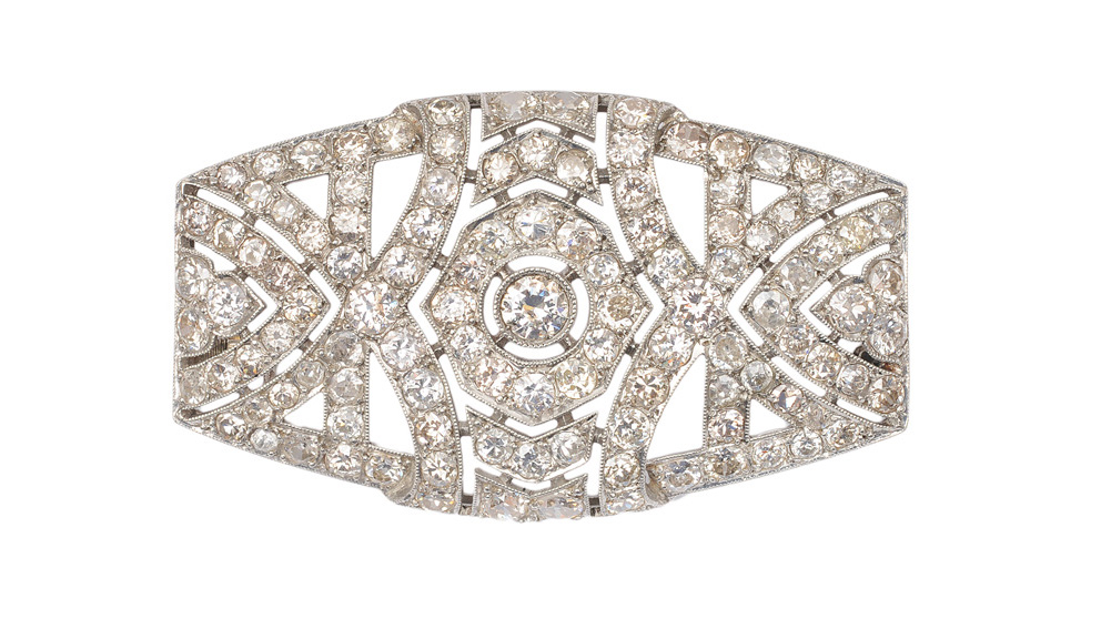 An Art-Déco brooch with diamonds