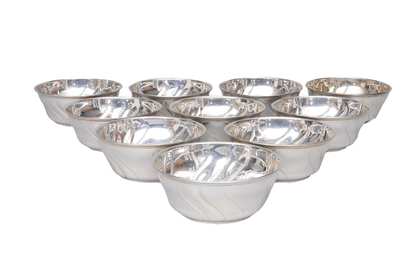 "A set of 20 bowls ""Chippendale"""