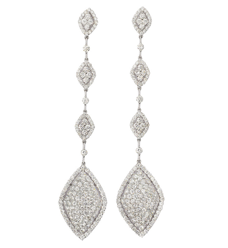 A pair of fine diamond earpendants