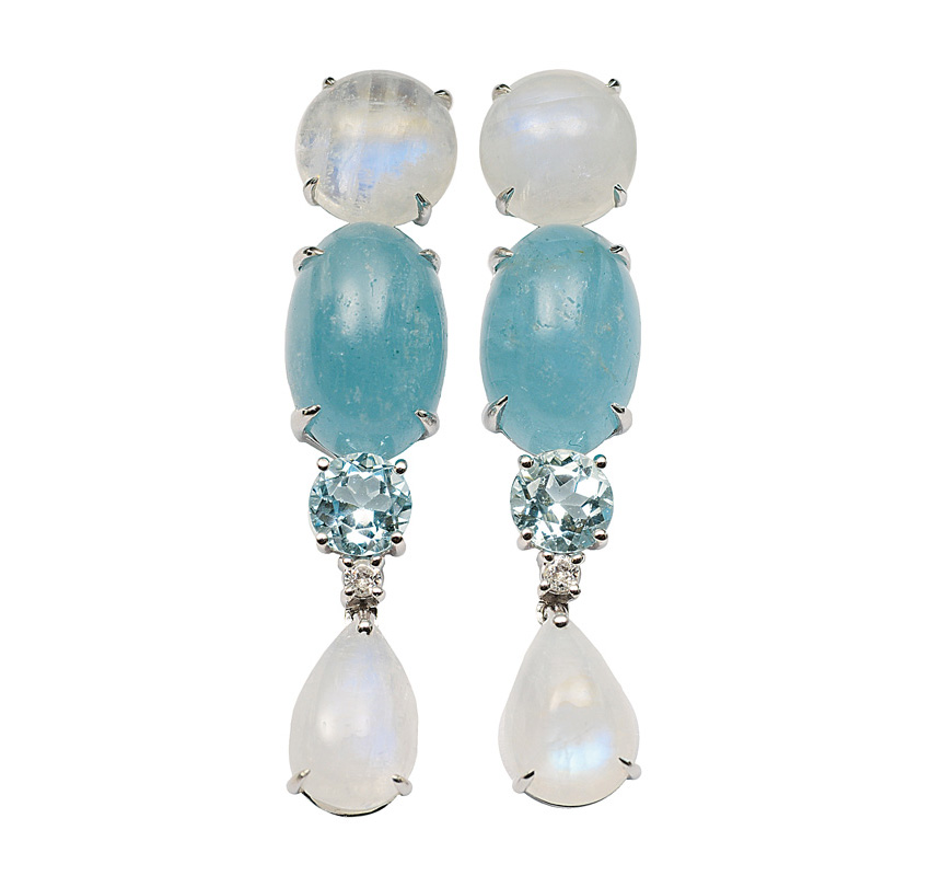 A pair of aquamarin moonstone earpendants