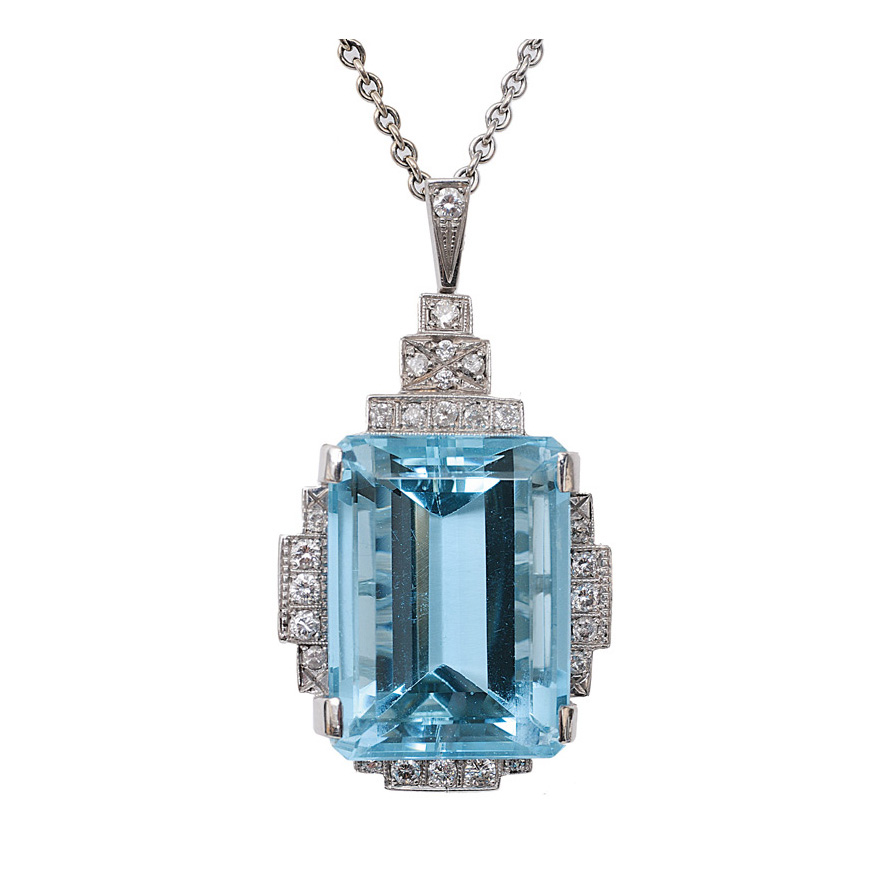 An aquamarine diamond pendant with necklace in Art-Déco style