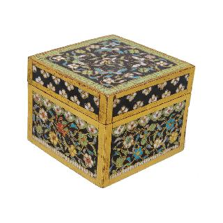 A fine cloisonné box with foliage and butterflies
