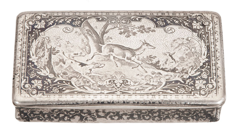 A fine niello snuff-box with scenery of deer chasing