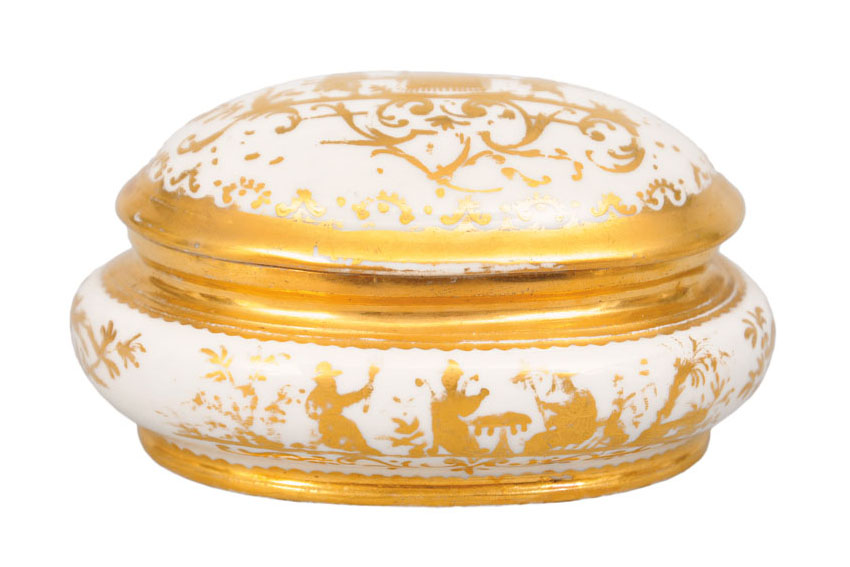 A fine 'Goldchinesen' sugar box