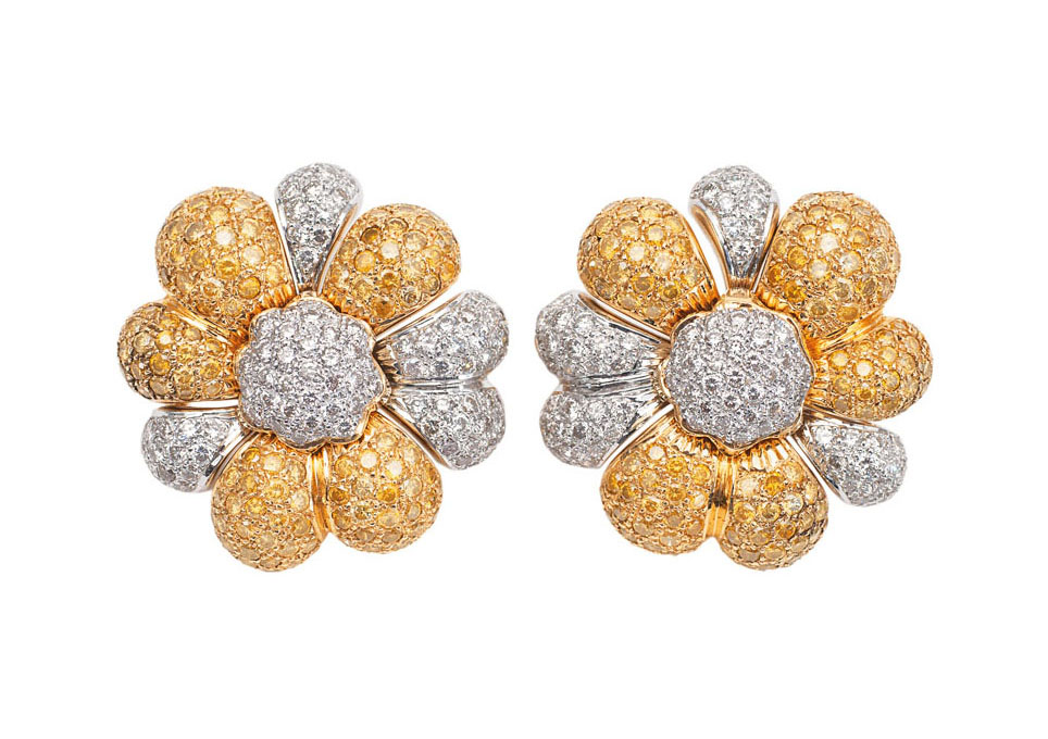 A pair of flowershaped diamond earstuds