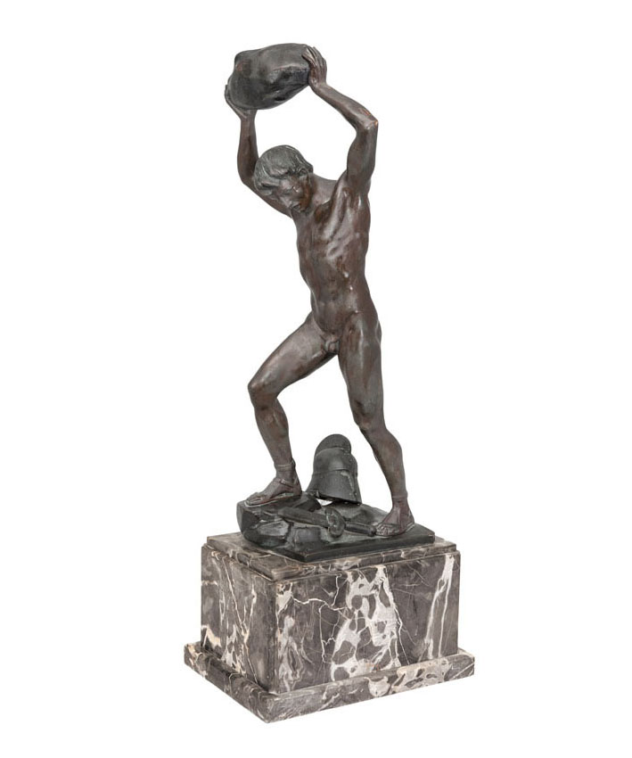 A big bronze figure 'The stone thrower'