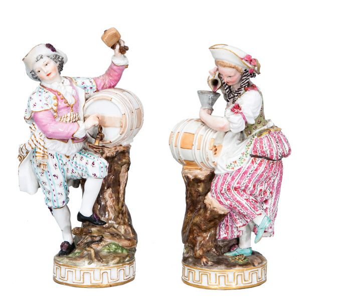 A pair of figures 'Winegrowers'