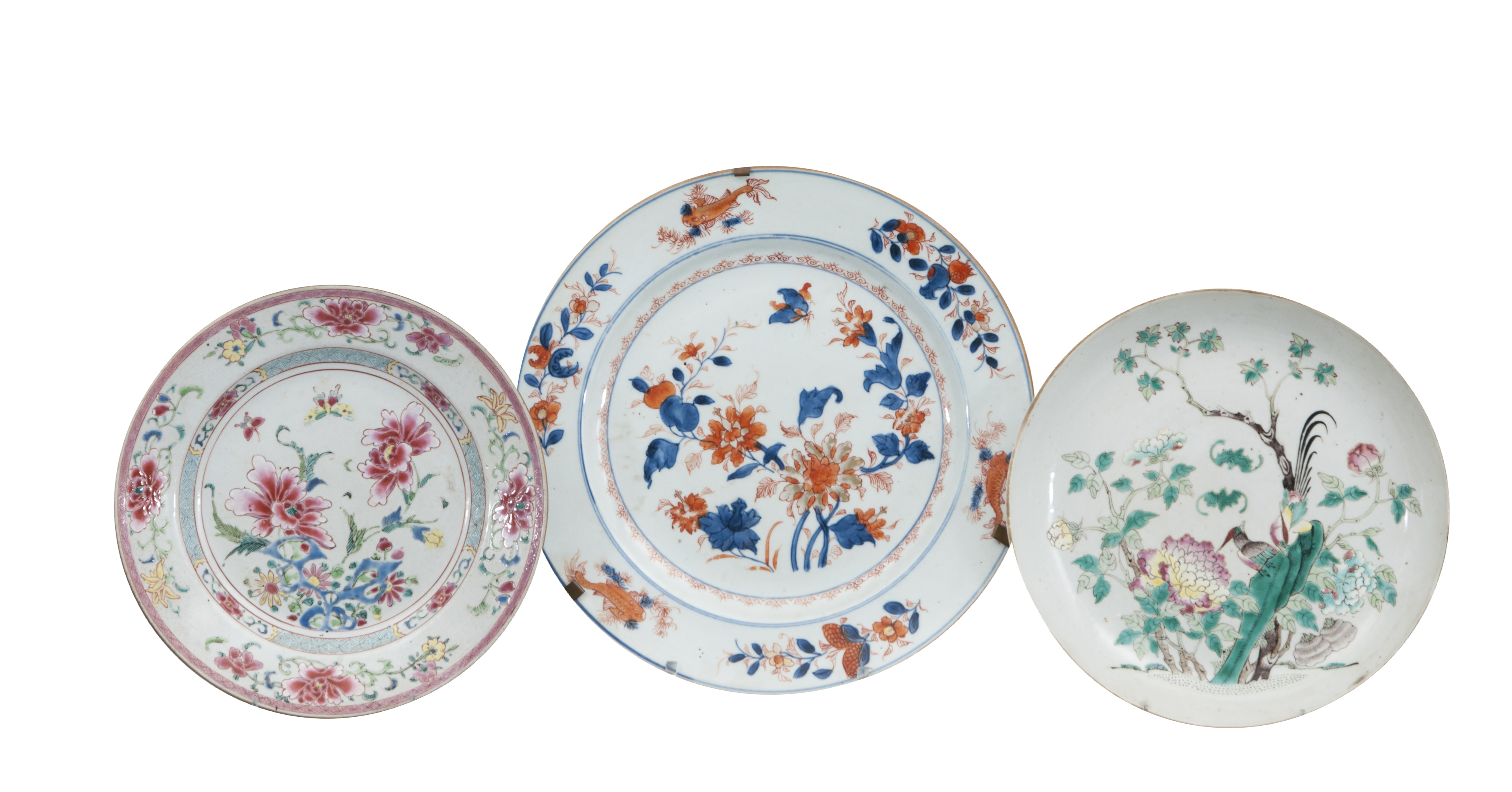 A set of 3 plates