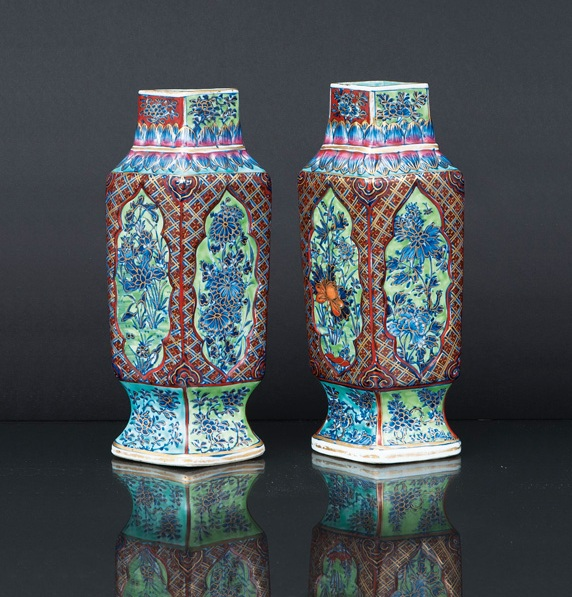 A pair of clobbered rhomb-shaped vases