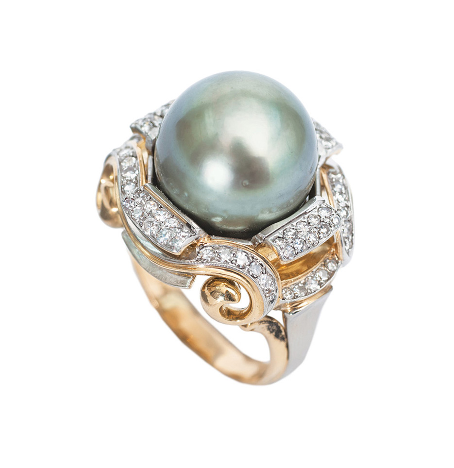 A large pearl diamond ring