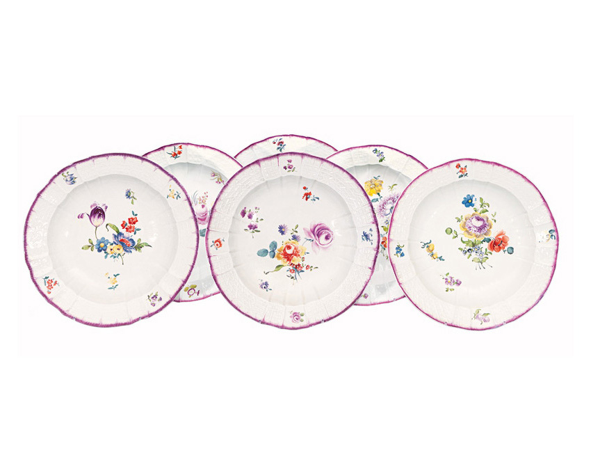 A set of 6 plates with flower painting