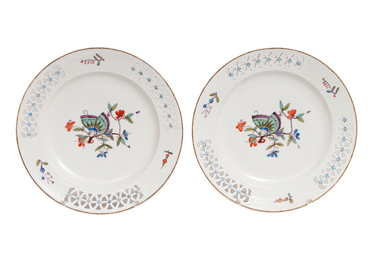A pair of plates with 'Chinese Butterfly'