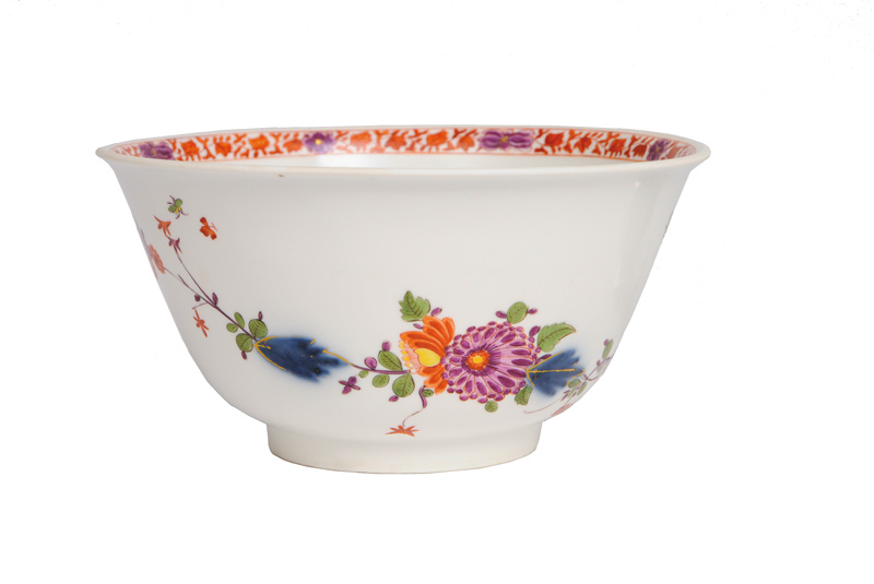 A fine Kakiemon bowl with hedge-motif