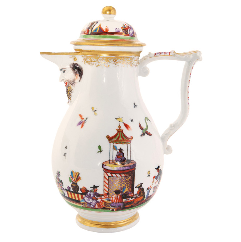 A rich mascaron coffee pot with Chinoiserie scenes after Johann Gregorius Hoeroldt