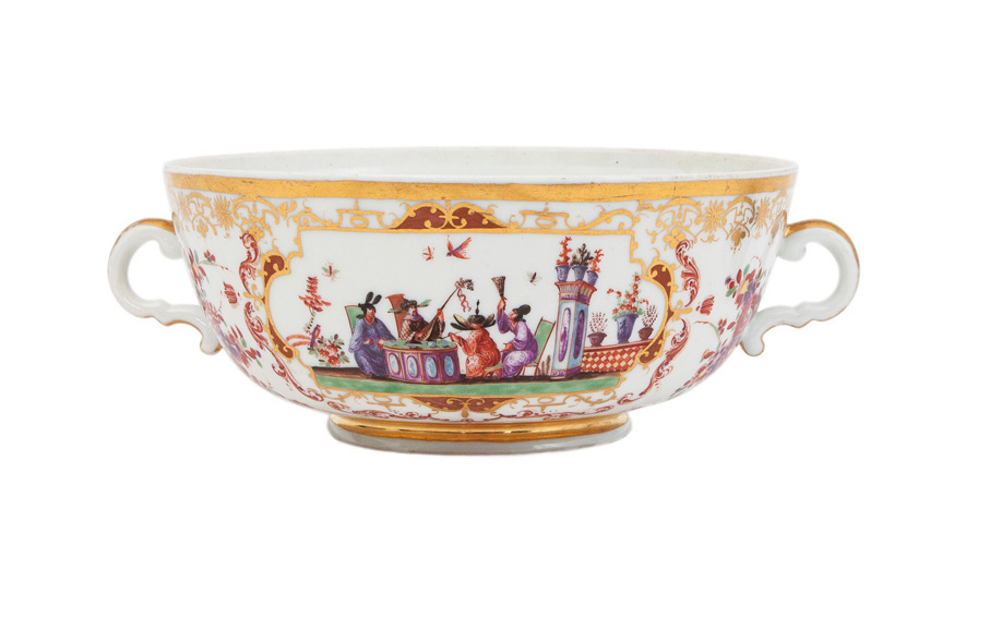 A rare two-handled bowl with Chinoiserie scenes after Johann Gregorius Höroldt