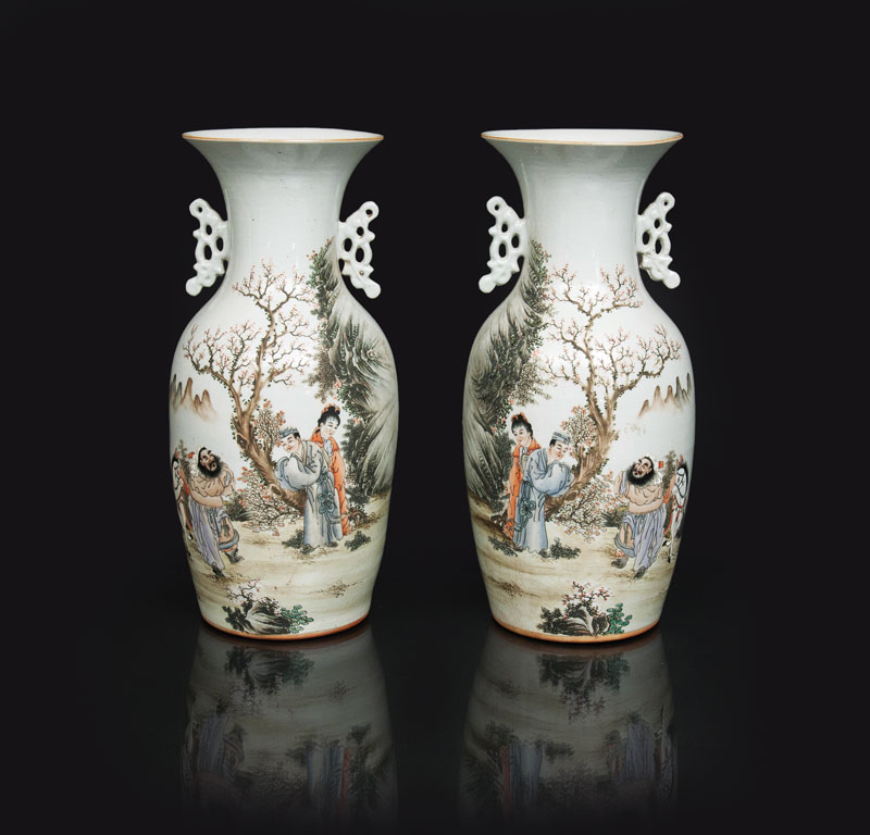 A pair of fine vase with mythological scenes