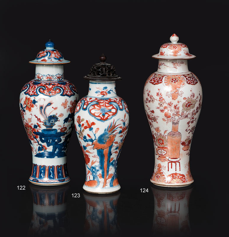 An 'Imari' vase with cover and 'Vase motif'