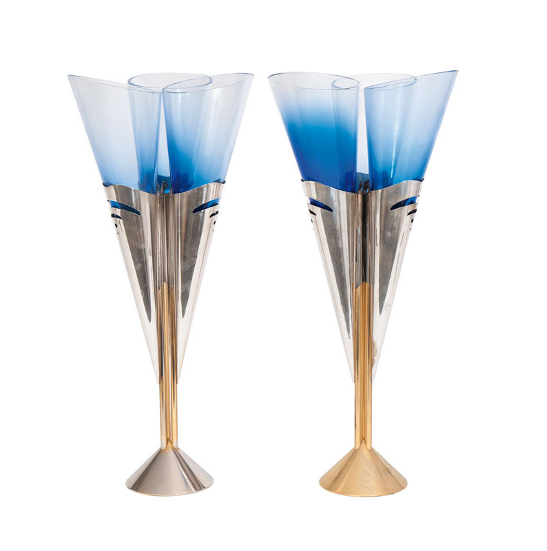 A pair of modern vases