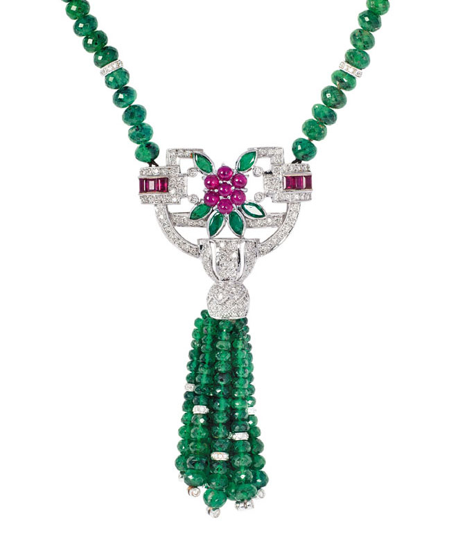 A colourful emerald-ruby necklace with diamond setting in Art-Déco manner