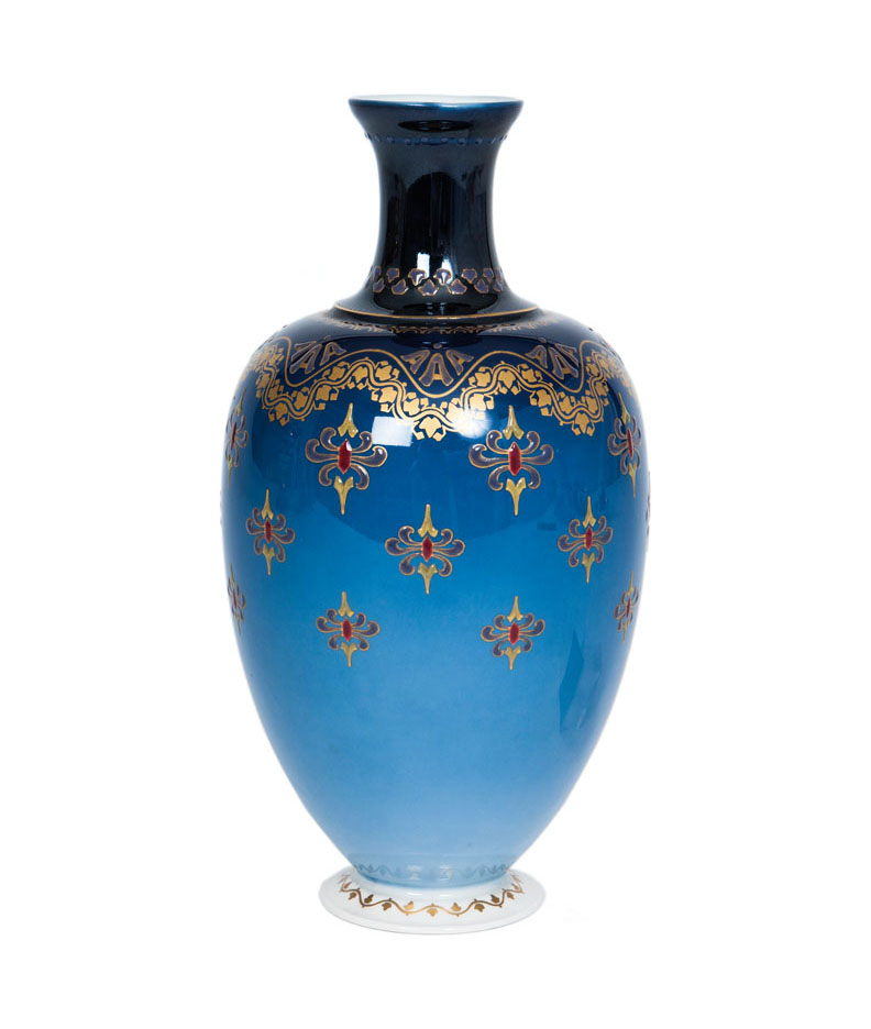 A small vase with ornamental decoration