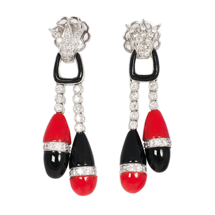 A pair of onyx coral earpendants in Art-Déco style