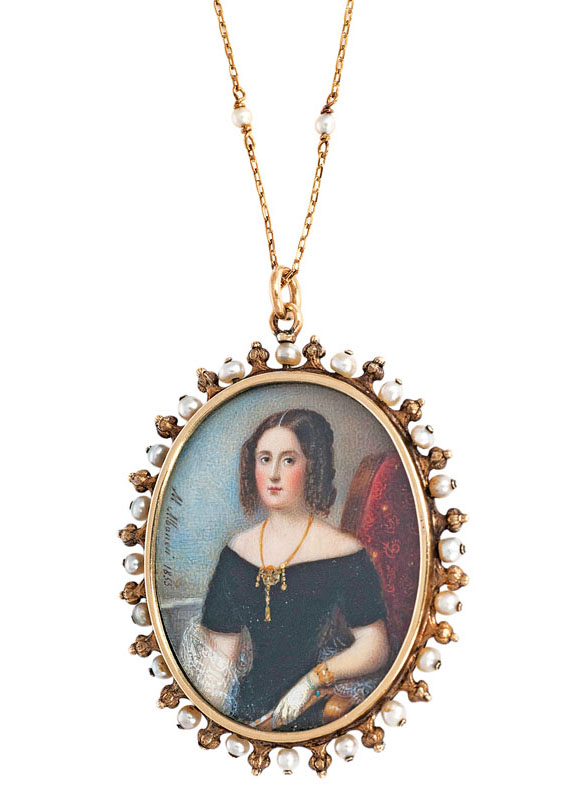A rare, noble medaillon 'Portrait of a Lady' with pearl and diamond setting