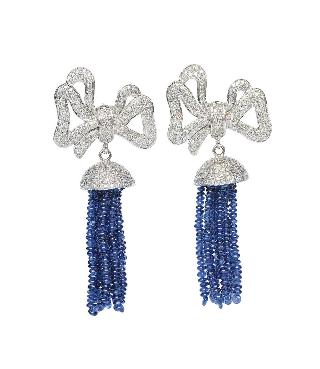 A pair of sapphire diamond earpendants in Art-Déco style